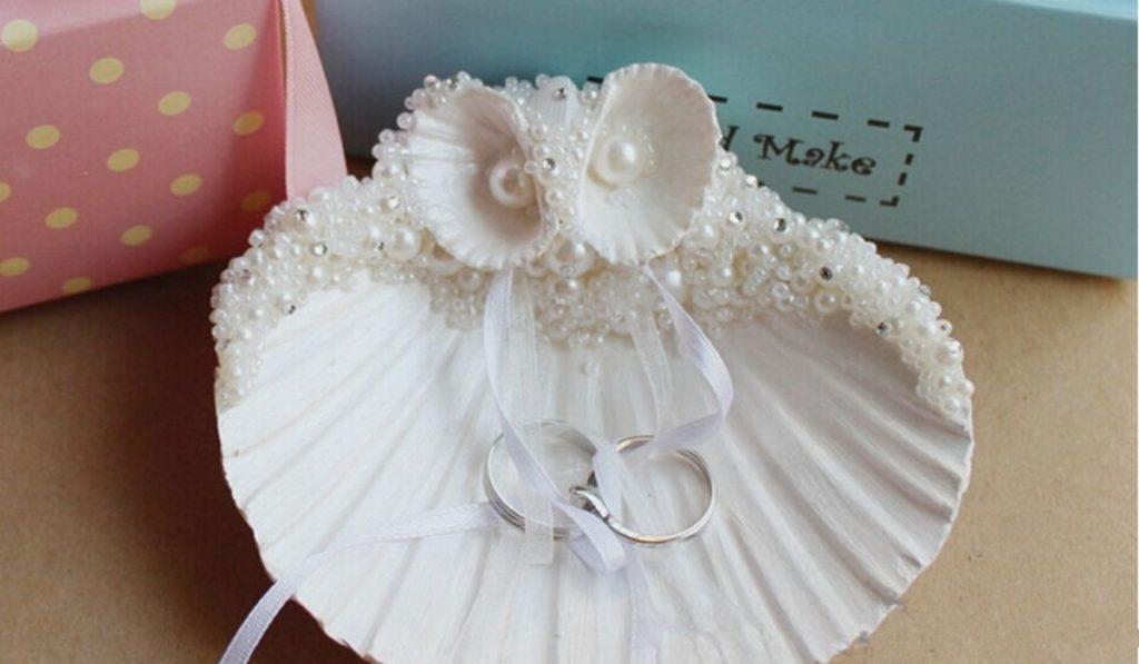 engagement ring decoration tray