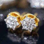 How to buy diamond stud earrings online