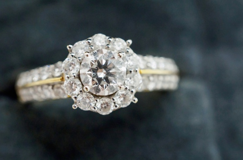 When to wear a diamond ring according to astrology